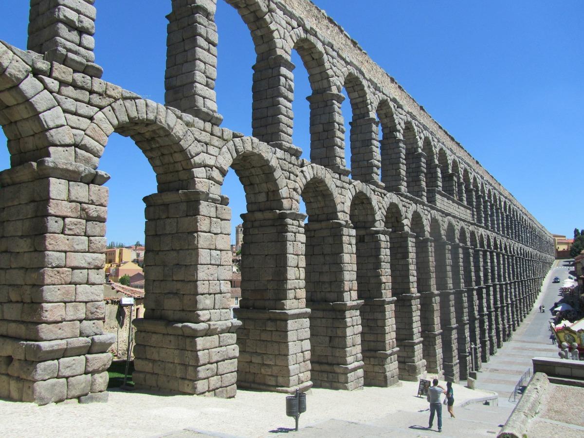 aqueduct-335122_1920
