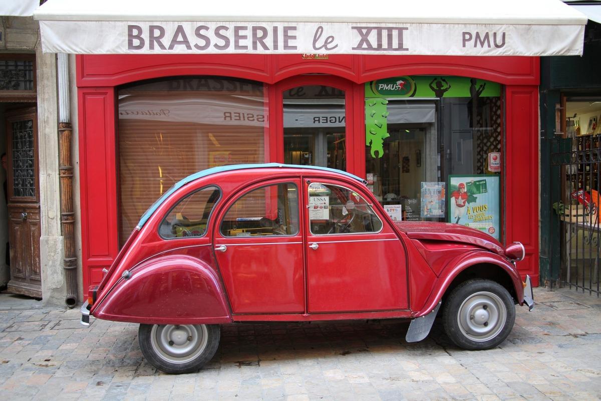 car-1459739_1920