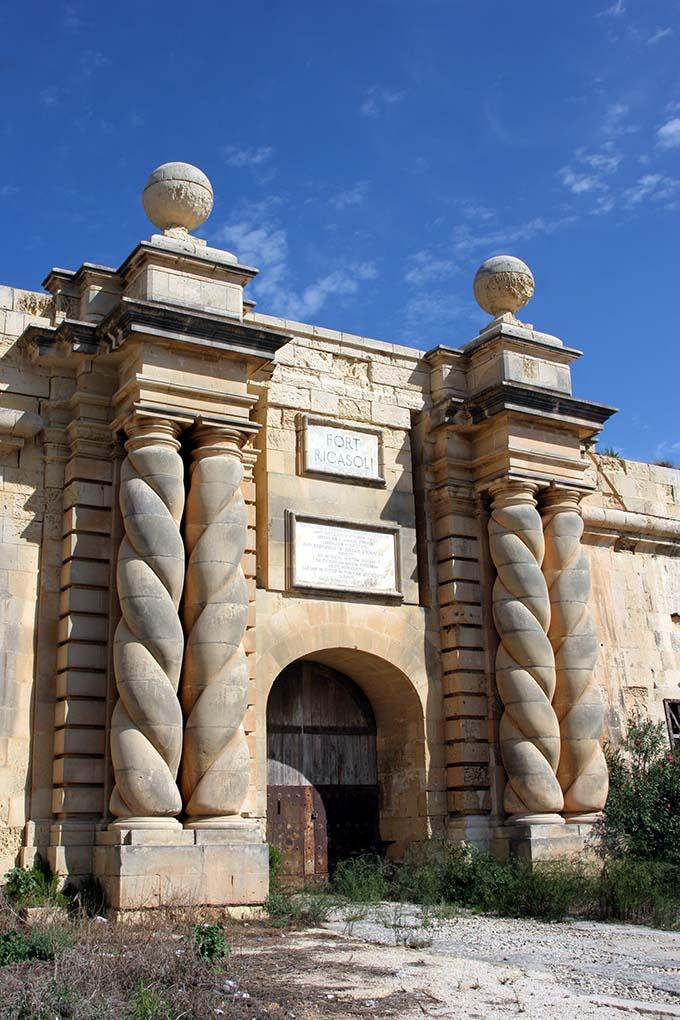 fort_ricasoli_malta_entrance_680.jpg