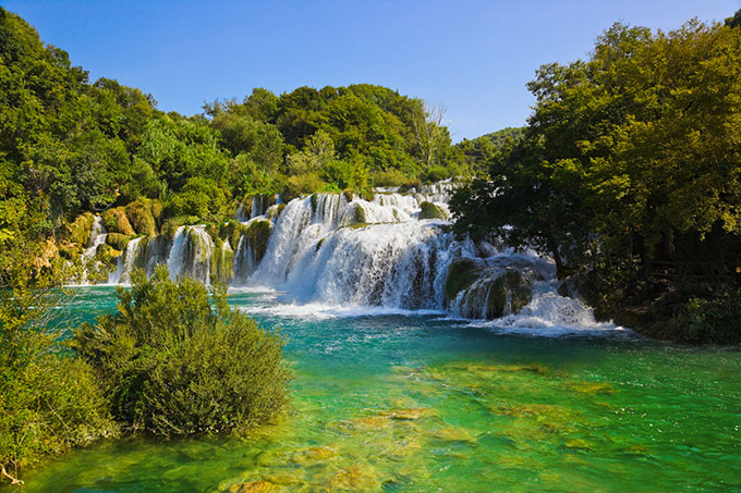 krka-national-park-waterfall-in-croatia-split-162287334_1.jpg